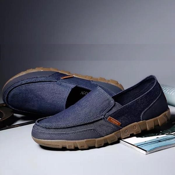 Blue jeans top with thick sole Loafer shoe
